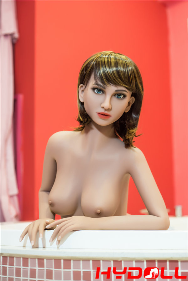 セックス人形 リアルなBカップ美乳